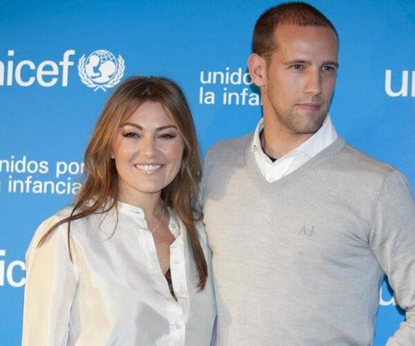 Amaia Montero (1,59m) Y Gonzalo Miró (1,83m)
