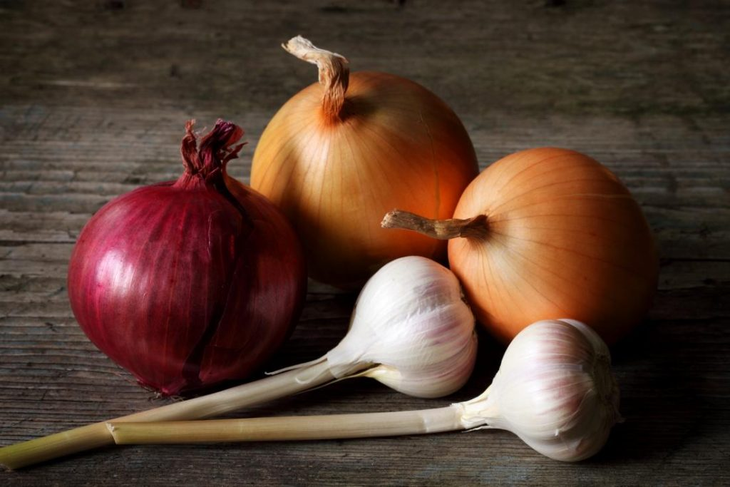 Extend Longevity Of Onions And Garlic