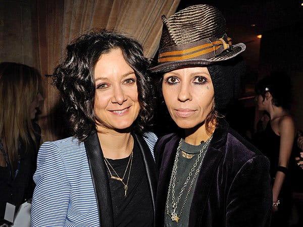 Sara Gilbert ve Linda Perry