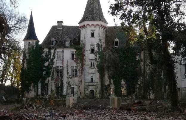 Castétis, França - Château des Trois-Poètes