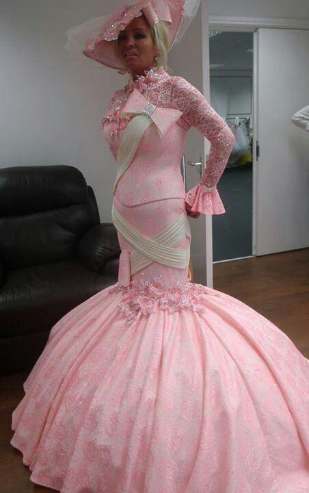 ピンクに身を包まれて