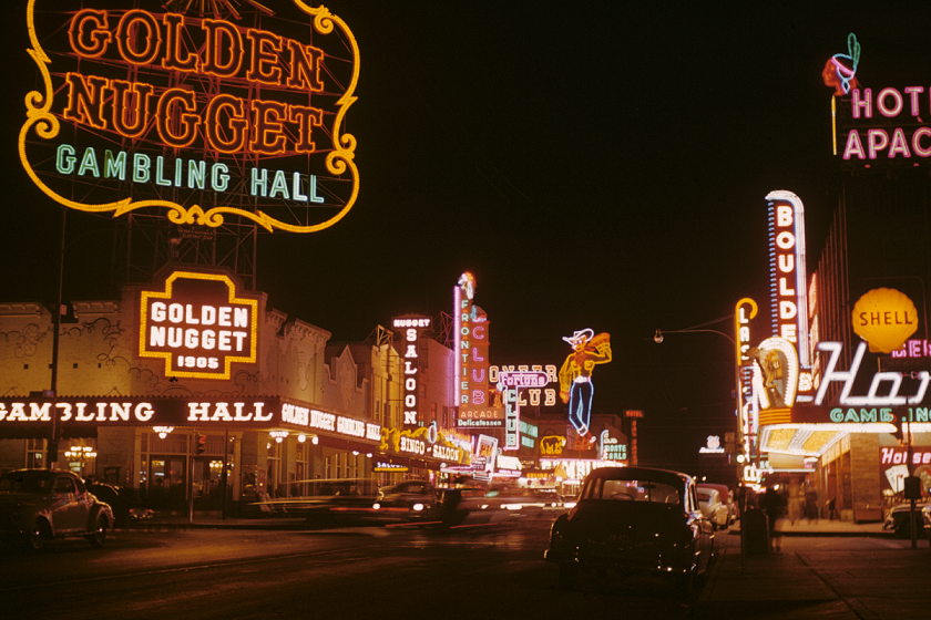 Check Out These Rare Photos Of Las Vegas' Early Days Of Glitz And Glamour