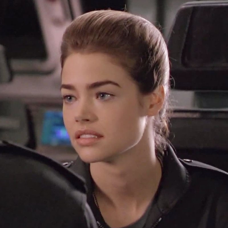 Denise Richards As Carmen Ibanez