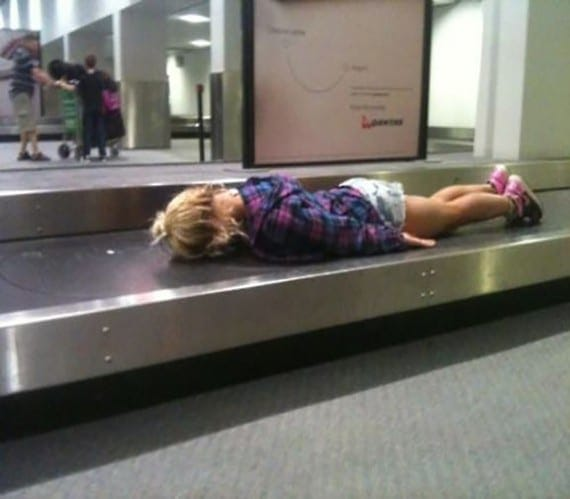 여행을 하다 지루해진 아이가 생각해낸 방법
