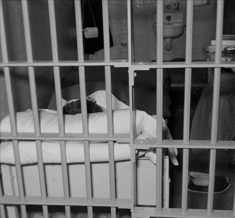 Alcatraz Amaneció Con Tres Menos