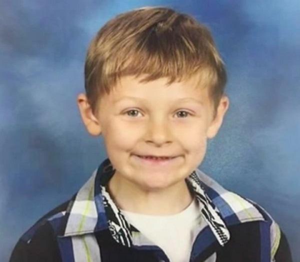 22 horas Depois, As Autoridades Encontram Um Menino De Seis Anos Desaparecido Com Uma Companhia Inusitada