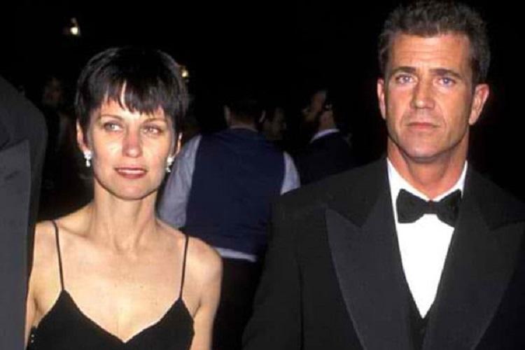 Mel Gibson & Robyn Moore – $425 Milhões