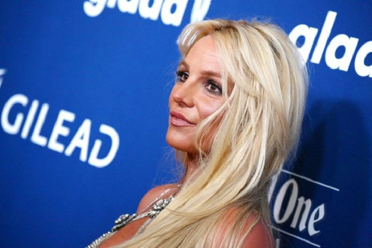 Britney: Dominação