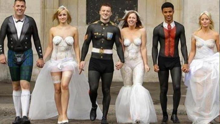 Körperbemahlte Hochzeitskleidung