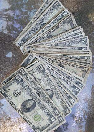 Und Mehr Geld
