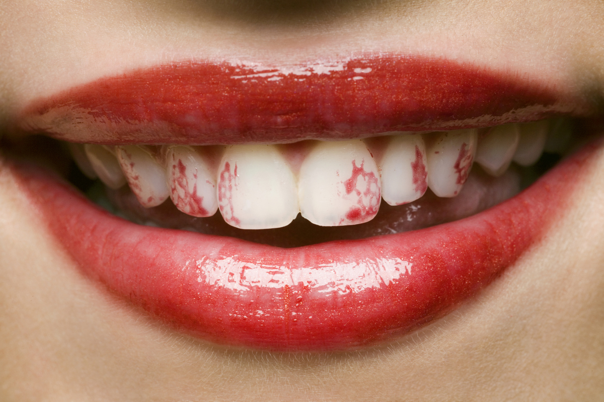 Stop Your Lipstick From Sticking To Your Teeth