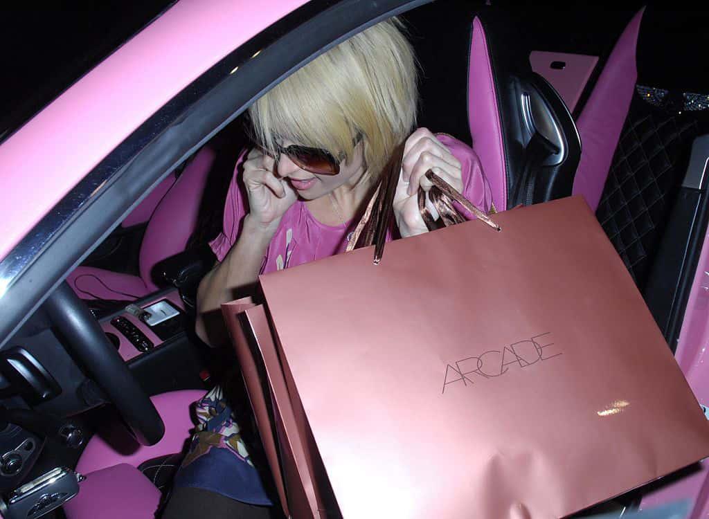 Paris-Hiltons-Pink-Bentley