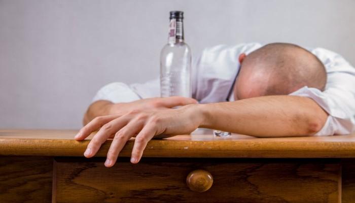 アルコール飲料(過剰摂取)