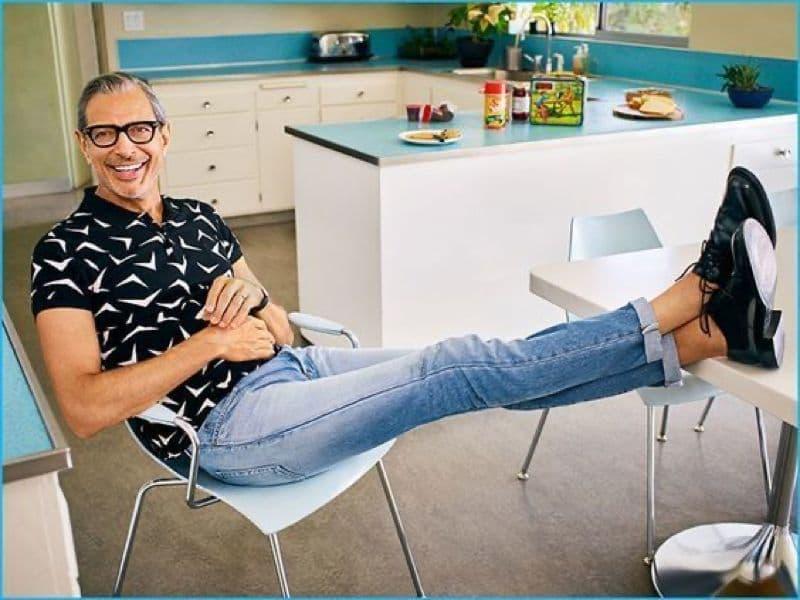 "Jeff Goldblum (6'4"")"