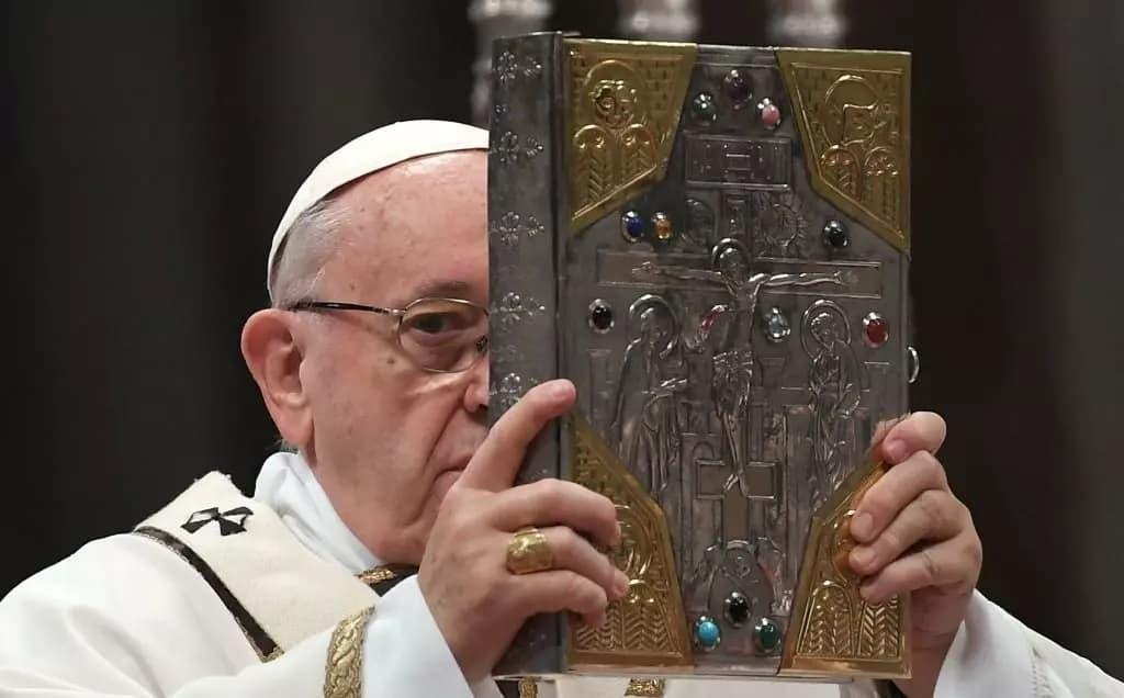 """""""A Bíblia Amaldiçoada"""""""
