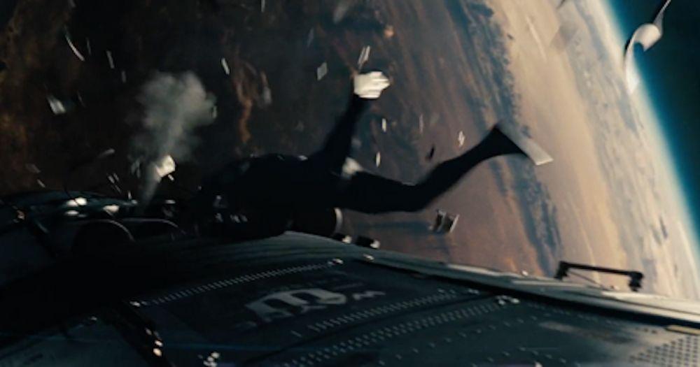 Man Of Steel – Space Battle Scene