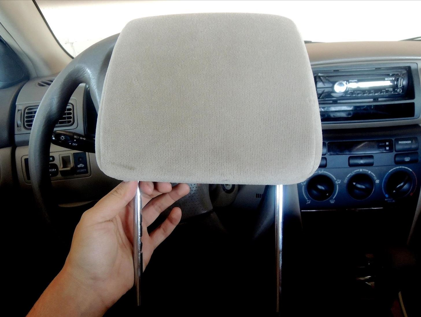 Detachable Headrest In Cars
