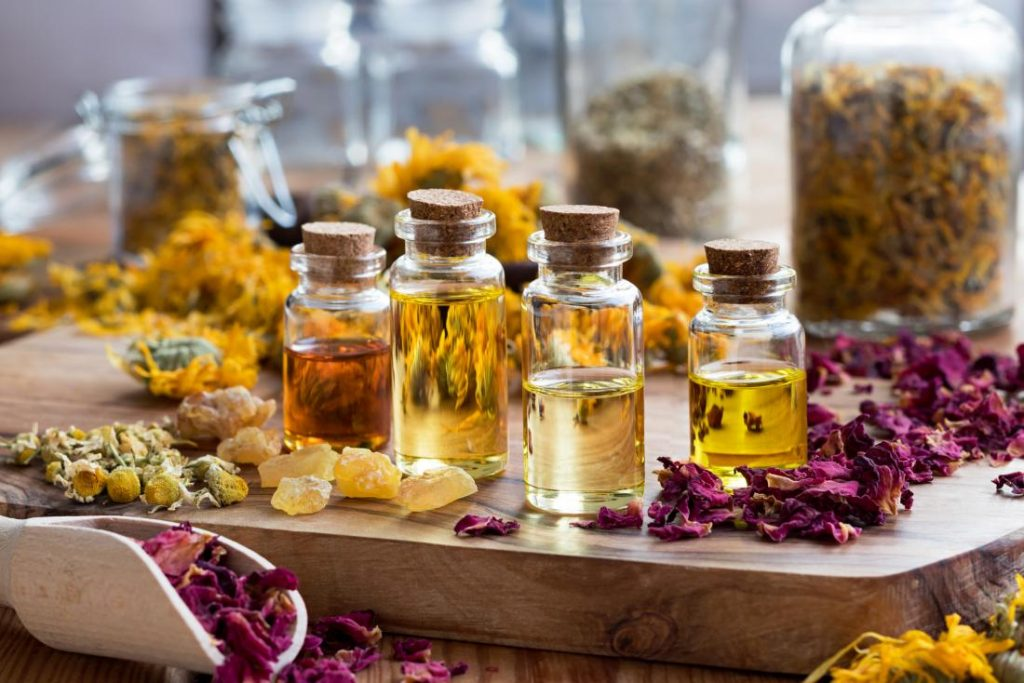Use Essential Oils To Clean The House