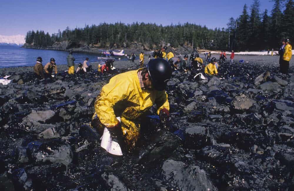 Exxon Valdez Crashes Into A Reef