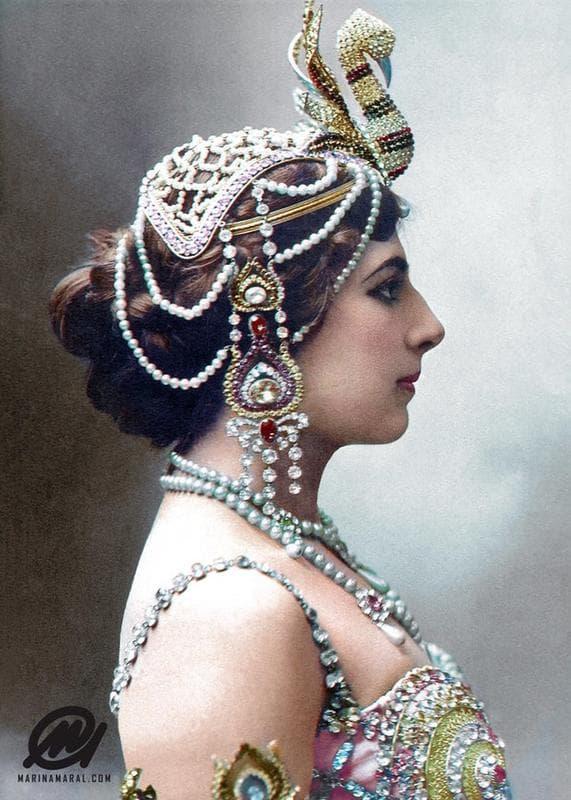 Mata Hari Blew The French Firing Squad A Kiss