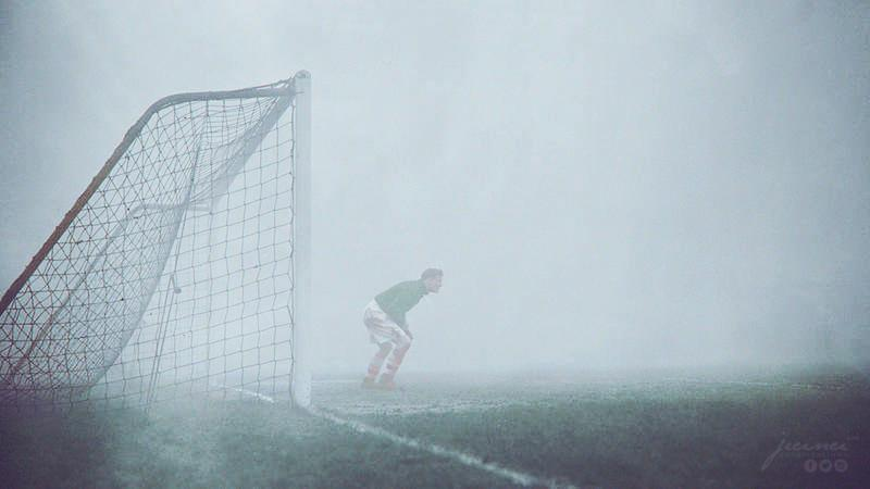 Arsenal Goalie Jack Kelsey On A Very Foggy Day