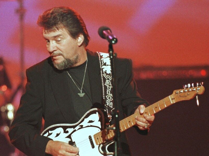 Waylon Jennings (deceased – $7 Million)