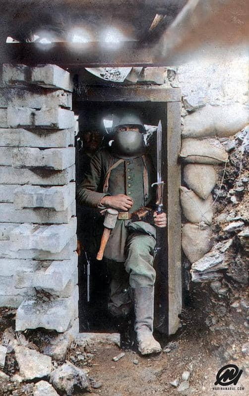 Un Soldado Alemán En Su Búnker