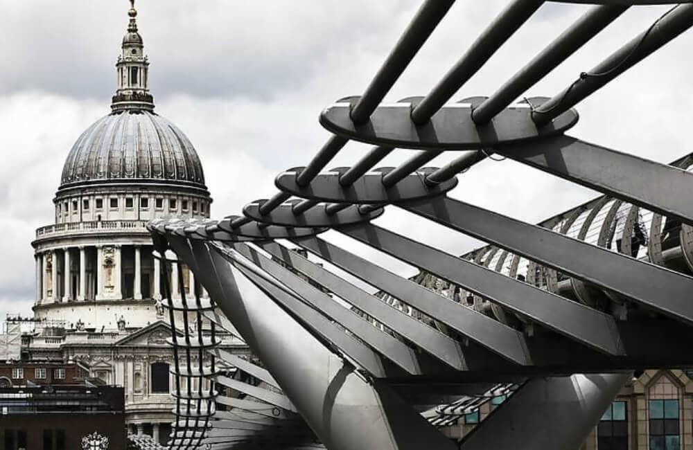 El Puente Del Milenio De Londres