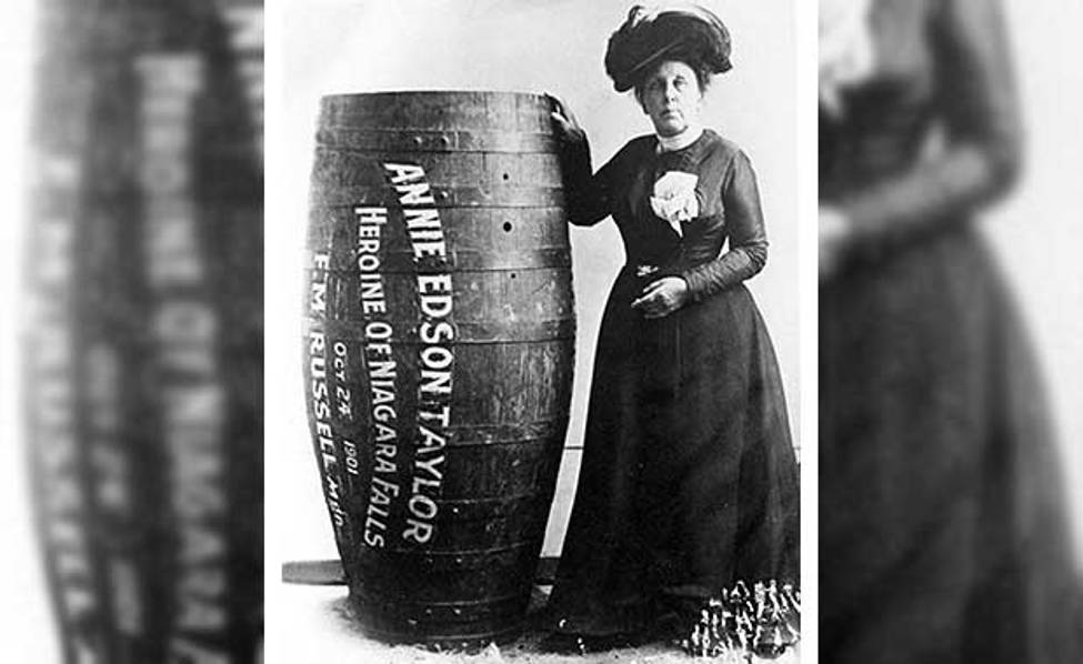 Barrel Roll On The Niagara