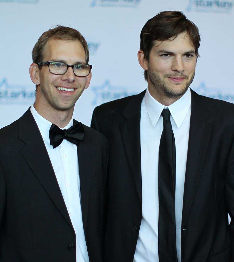 Ashton Kutcher And Michael Kutcher