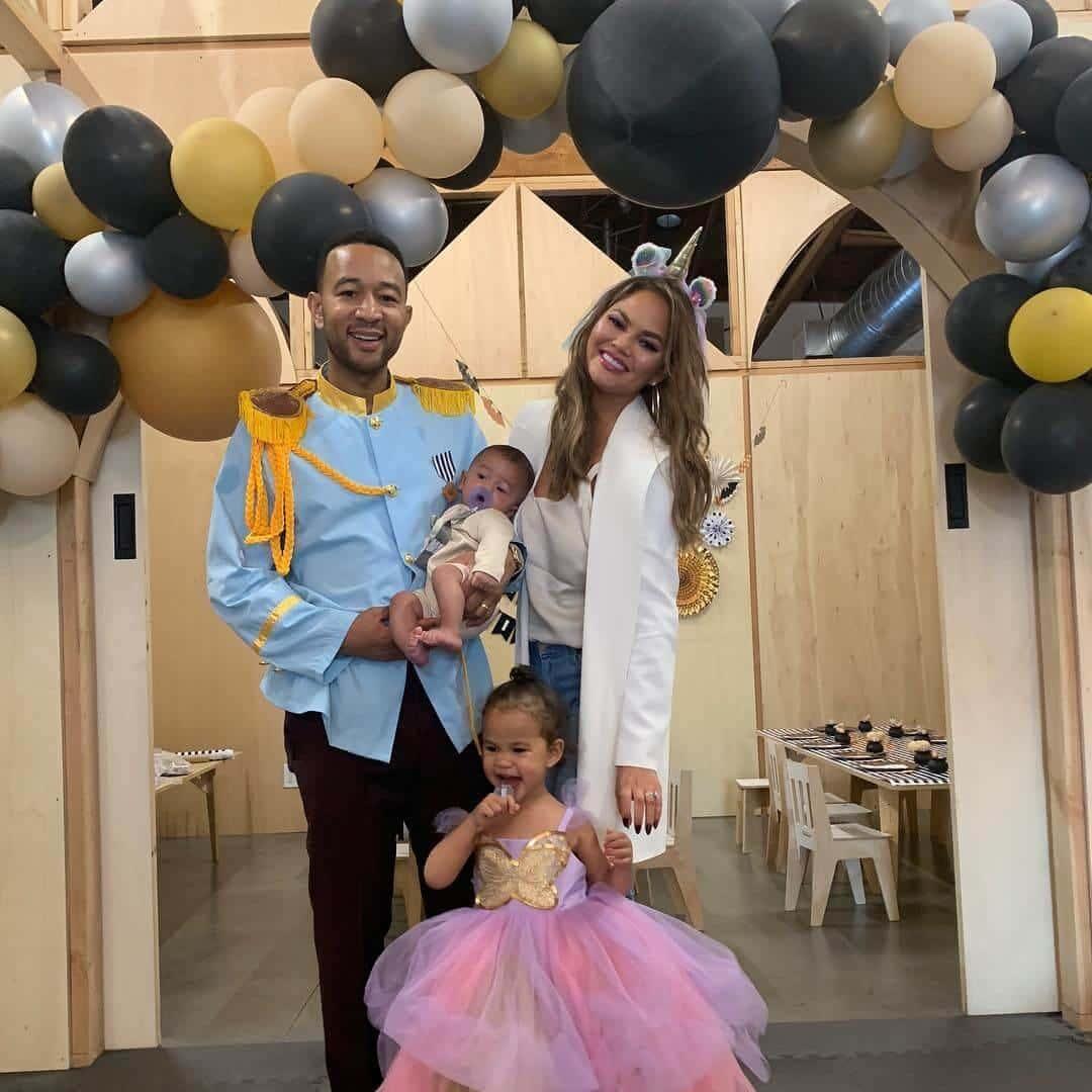 John Legend, Chrissy Teigen Y Familia