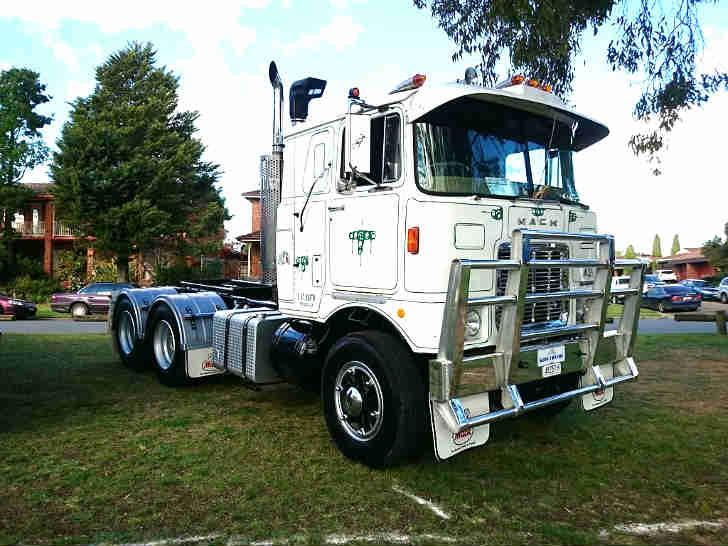 Mack FR 700