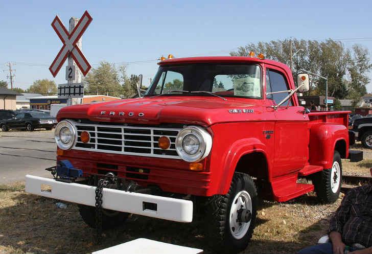 Fargo W300 Power Wagon