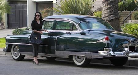 Dita Von Teese Et Sa Cadillac Fleetwood