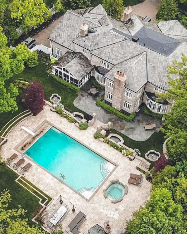 Glencoe, Illinois (Average Household Income $339,883)