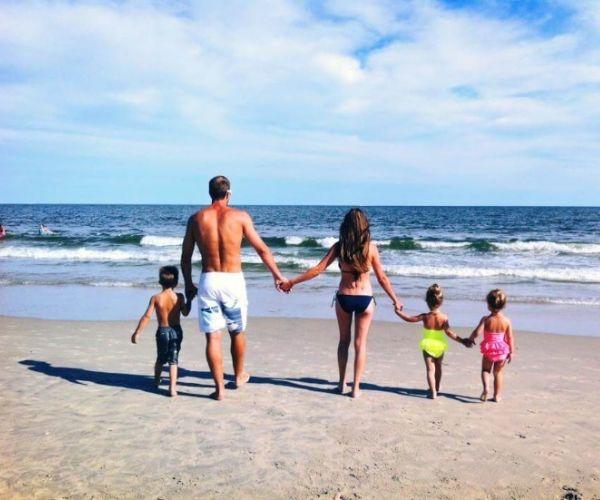 Una Normale Famiglia Felice