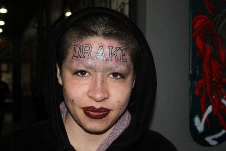 Tatuato Sulla Fronte