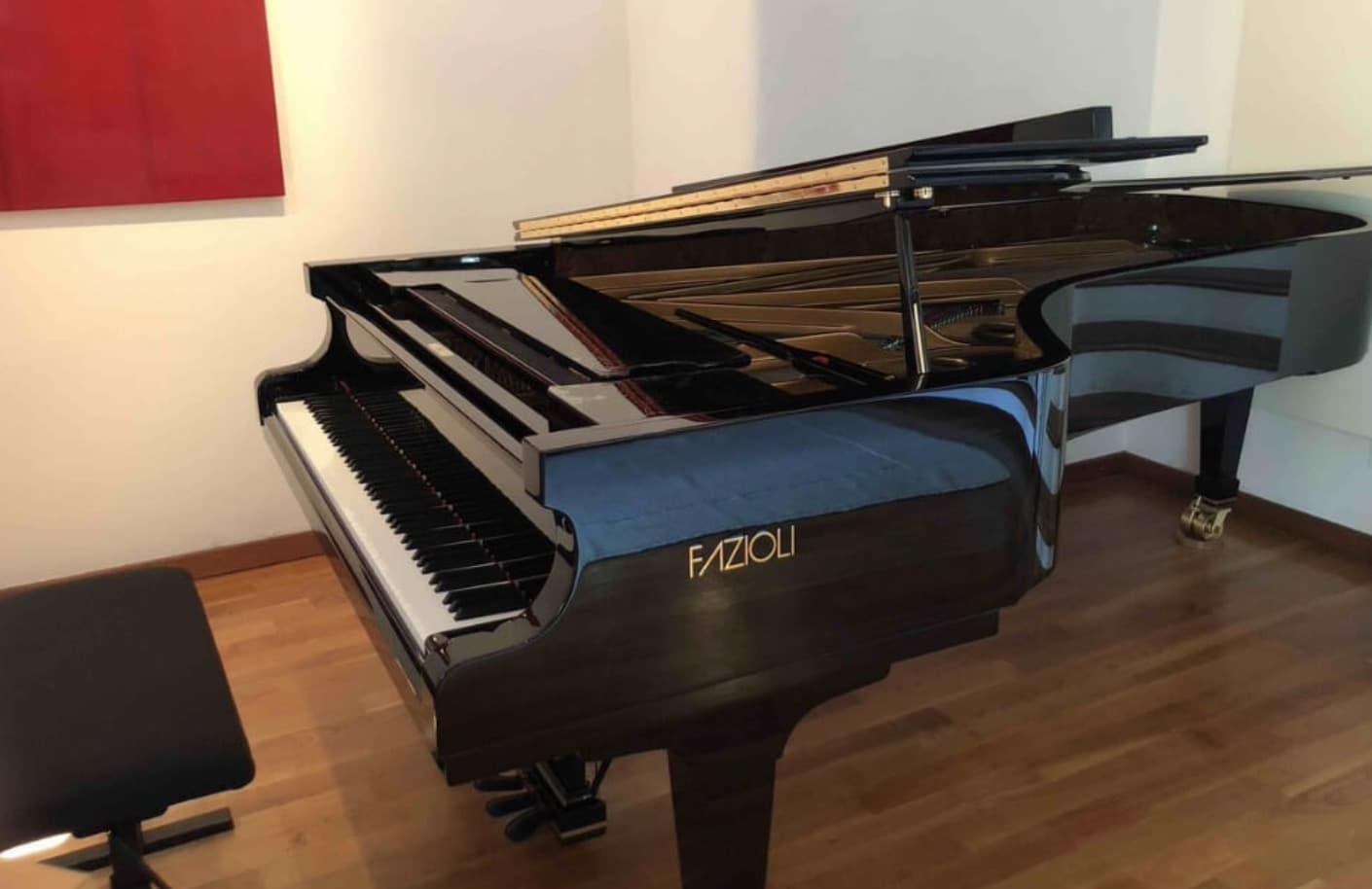Son Derece Nadir Bulunan Bir Piyano Düştü