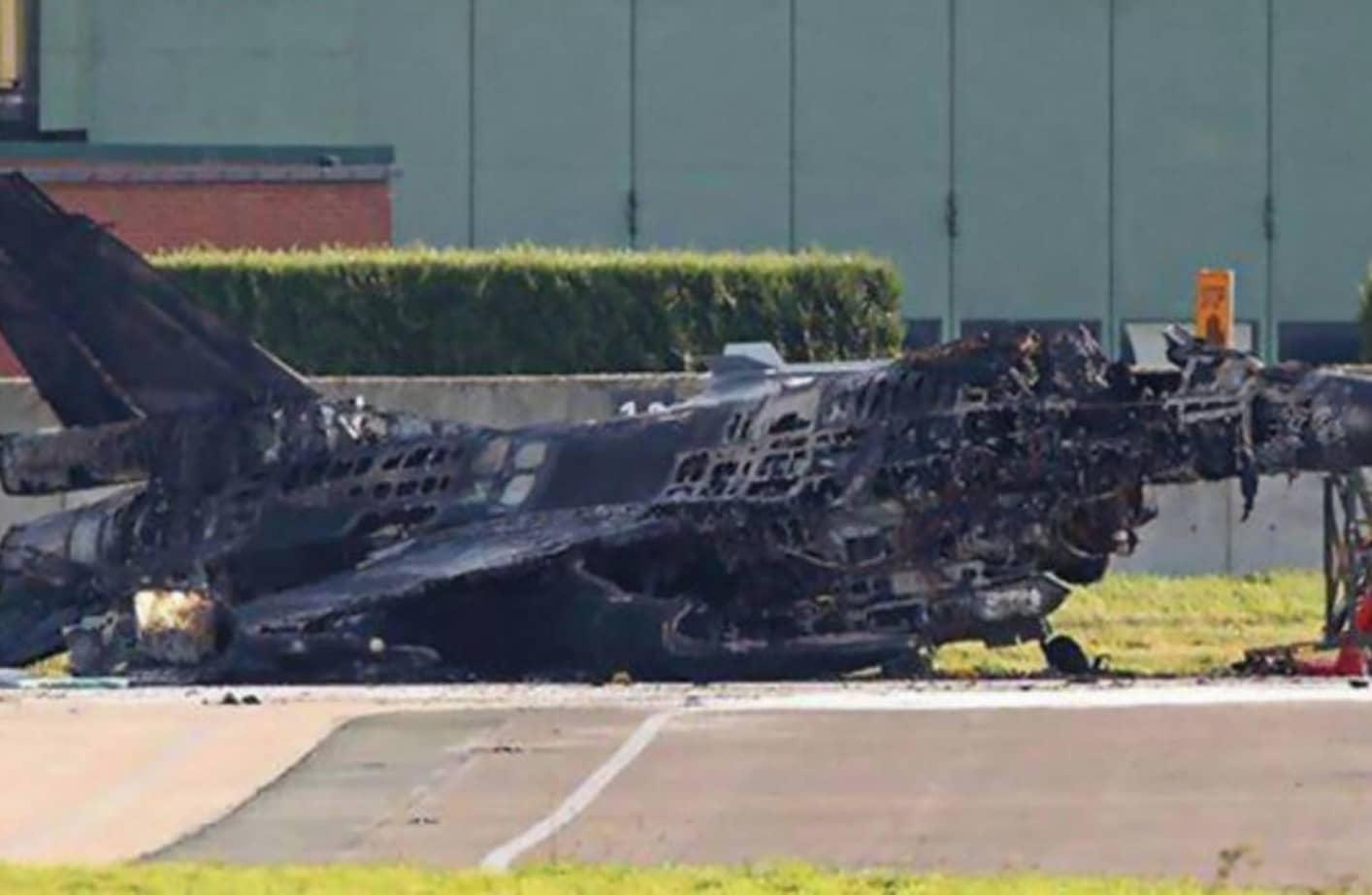 Yanlış Yere Park Edilmiş F 16 Jeti