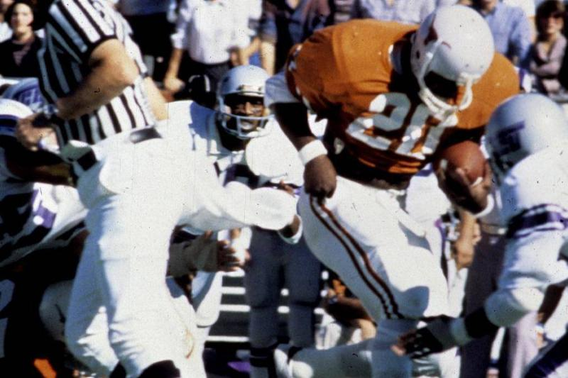 Earl Campbell – 1977
