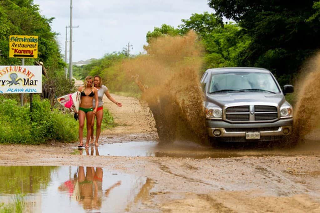 De Camino A La Playa Puedes Mojarte
