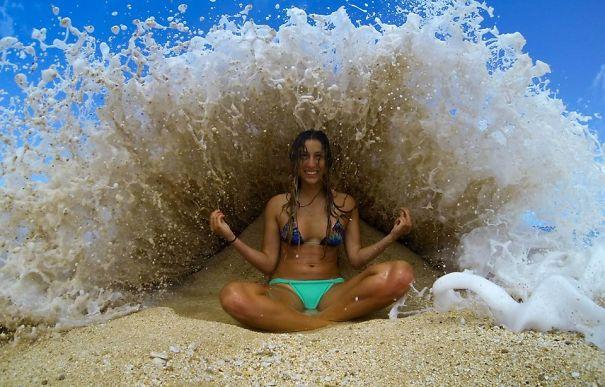 Haciendo Yoga En El Agua