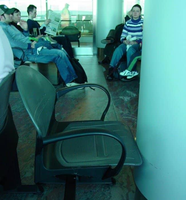 Mettre Les Pieds Sur La Chaise