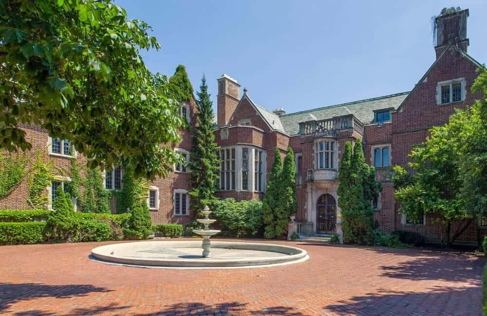 Schweppe Mansion – Lake Forest, Illinois