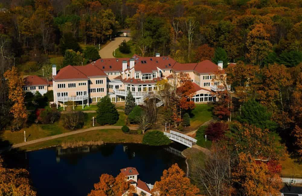 50 Cent's Connecticut Mansion – Farmington, Connecticut