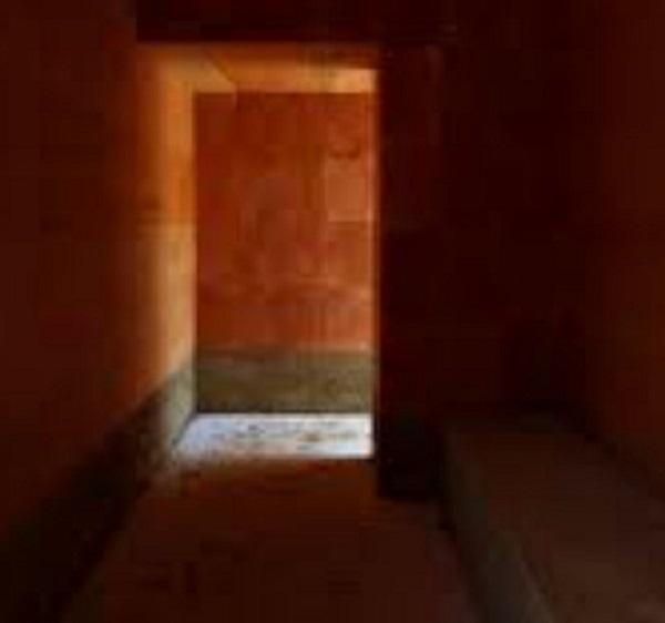 All'interno Della Cabina Segreta