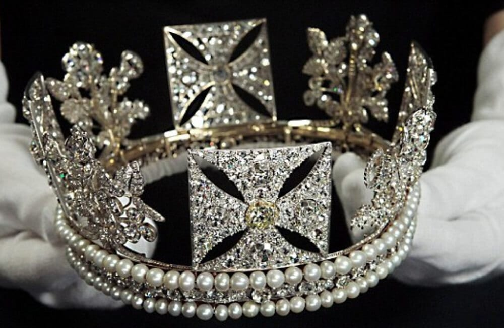 Les Diamants Tiara