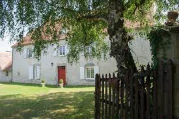 La Maison De La Regrettée Jeanne Moreau à Karma Le Anterger, En France, Estimée à Une Valeur De 11 Millions De Dollars