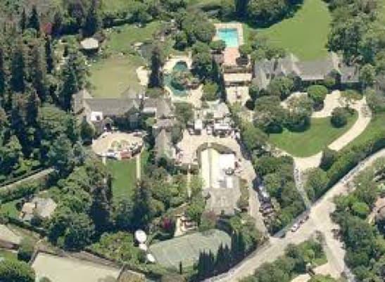 La Propriété Sans Limite De Hugh Hefner à Los Angeles, Pour Playboy, Estimée à Près De 100 Millions De Dollars