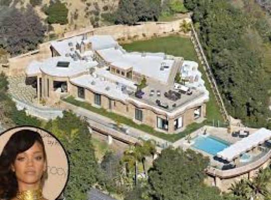 La Villa Barbie De Rihanna à La Barbade Estimée à Près De 22 Millions De Dollars